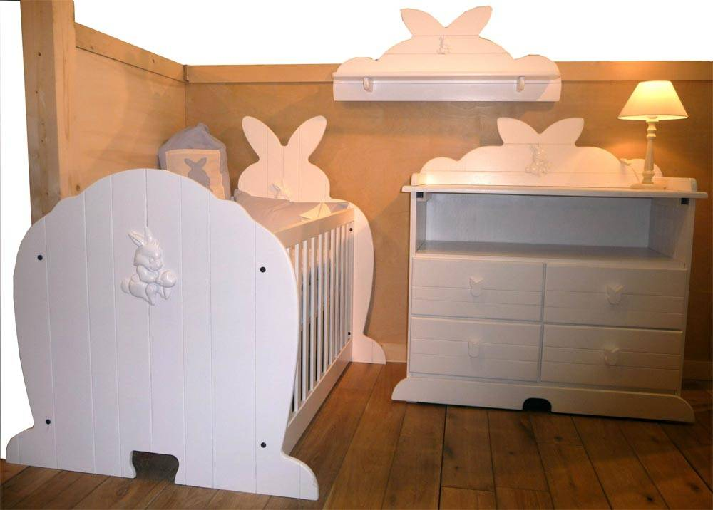 lit de b b original en forme de lapin. Black Bedroom Furniture Sets. Home Design Ideas