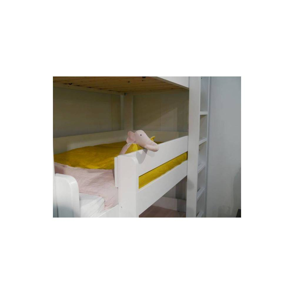city lit superpos s enfant triple tage s curis. Black Bedroom Furniture Sets. Home Design Ideas