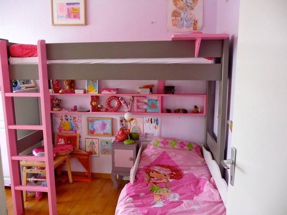 combinaison de bureau gagner de la place dans une chambre d 39 enfant. Black Bedroom Furniture Sets. Home Design Ideas