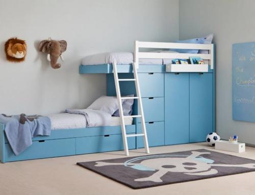 Trouvez facilement un lit superposé bleu pour chambre d'enfant chez Anders