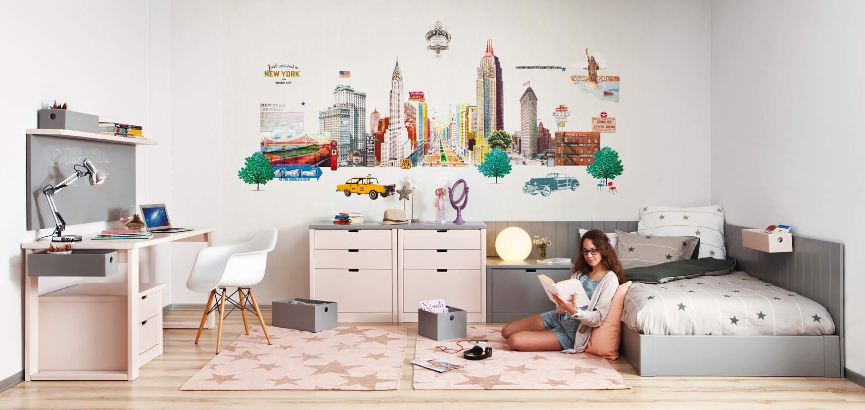 Chambre ado fille sur-mesure avec lit japonais bureau avec tableau