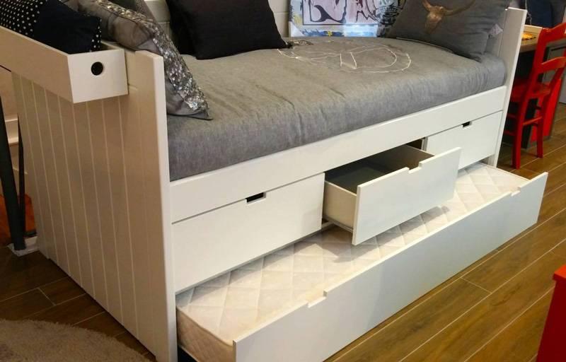 3 grands tiroirs + lit gigogne qui remonte sur pieds