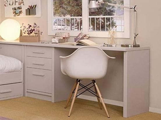 2 petits + 1 grand tiroirs - Profondeur 50 cm - Largeur 54 cm